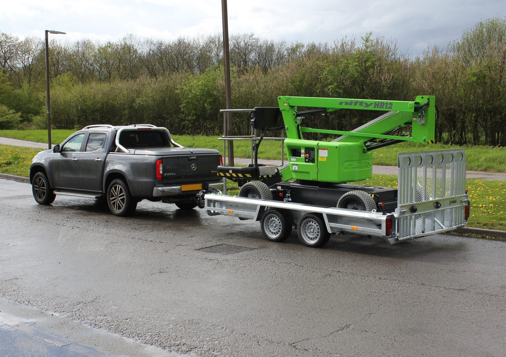 HR12L on Trailer with Vehicle